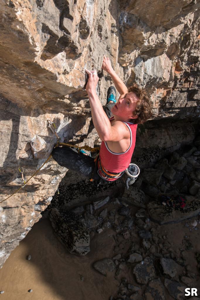 Richard Marrota climbing Vennerne 8a
