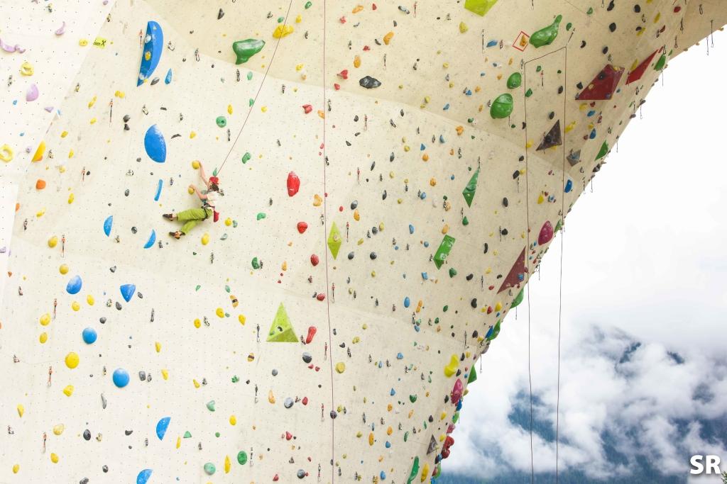 Gwen Climbing in the Final